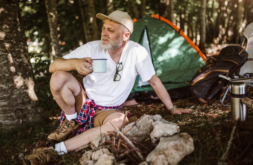 meski-wypad-pod-namiot-–-o-czym-nalezy-pamietac,-organizujac-taki-wyjazd?