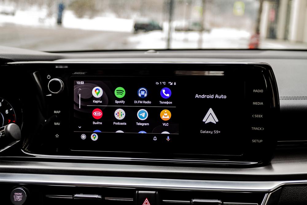 android-auto-i-apple-car-aplikacje-z-telefonu-w-twoim-samochodzie